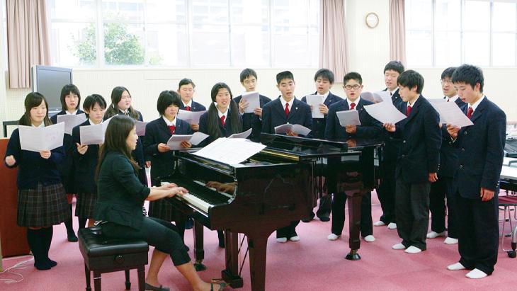 三田松聖高等学校画像
